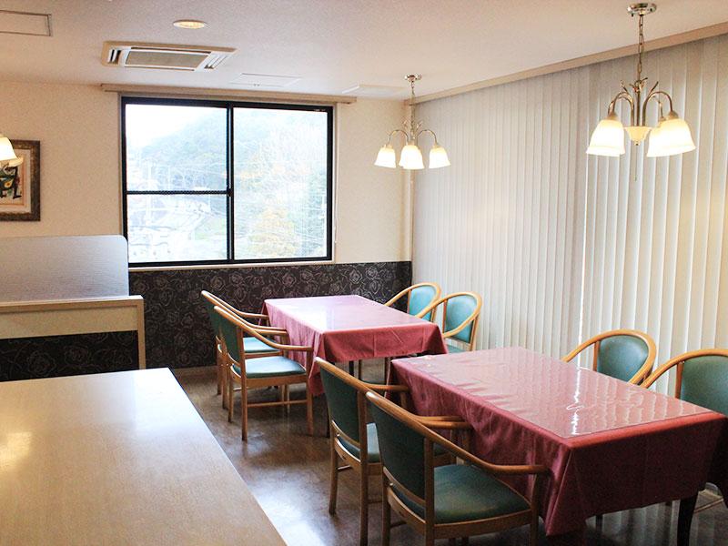 f4_restaurant2